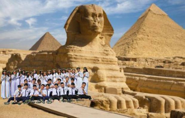 Các bạn cùng chụp ảnh ở tượng Giza