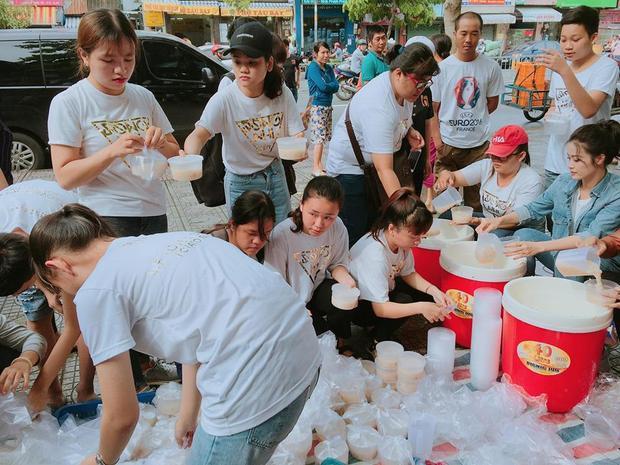 Đông Nhi cùng các fan có buổi từ thiện hết sức ý nghĩa vào sáng 3/6.