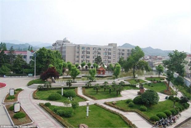 Khuôn viên trường ở Mao Thản Xưởng được đầu tư không kém so với các trường đại học tại Mỹ.