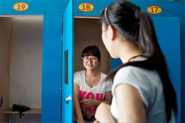Bên trong công xưởng thi đại học lớn nhất Trung Quốc