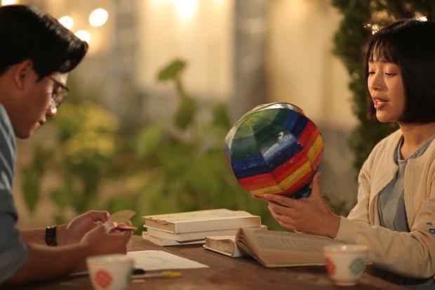 Có quá khó khăn cho Mai Tài Phến khi làm mới mình trong phim điện ảnh Em gái mưa?