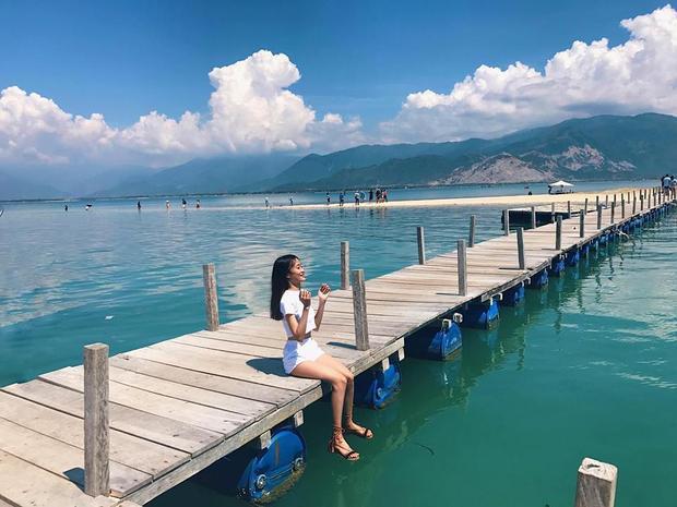 Hòn đảo đẹp tựa thiên đường này khiến bất kỳ ai từng đặt chân đến phải thương nhớ bởi vẻ đẹp hoang sơ, biển trời trong xanh.