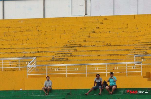 Đừng để hiệu ứng U23 Việt Nam qua đi rồi chứng kiến cảnh khán đài nguội lạnh.