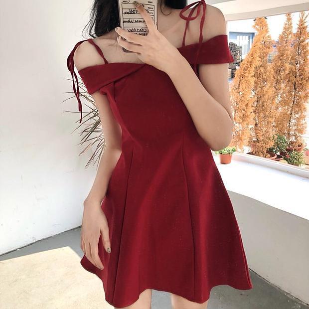 Top 5 mẫu váy che mỡ bụng thần thánh cho cô nàng eo bánh mì