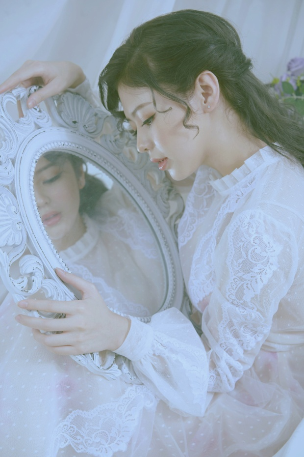 Với lợi thế ở chất giọng tình cảm và kỹ năng thanh nhạc tốt, Liz Kim Cương luôn là sự lựa chọn hàng đầu cho những bản ballad ngọt ngào.