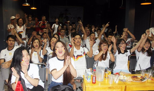 World Cup là mónăn tinh thần của người Việt yêu bóng đá.