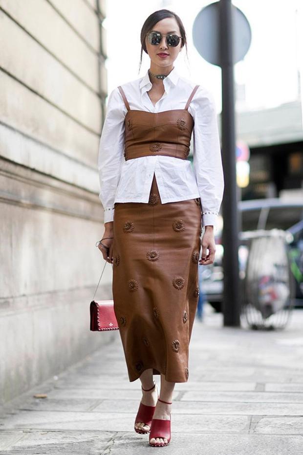 Nếu yêu thích thời trang và không ngại thử nghiệm bạn hãy học hỏi cách phối táo bạo của Fashion Blogger Chriselle Lim, với nguyên cây matchy thế này nhé.
