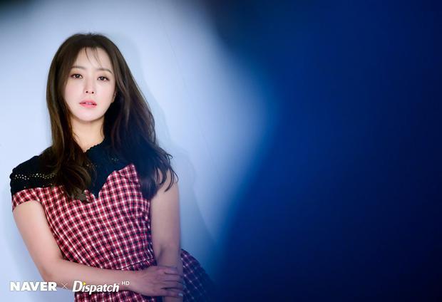 Kim Hee Sun xinh đẹp ở tuổi 41.