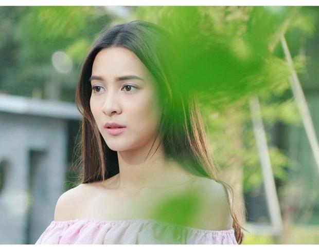 """Khán giả Việt Nam yêu thích Green Ausadaporn từ sau """"Koo Prub Cha Bab Hua Jai"""" (Oan gia vườn trường)."""