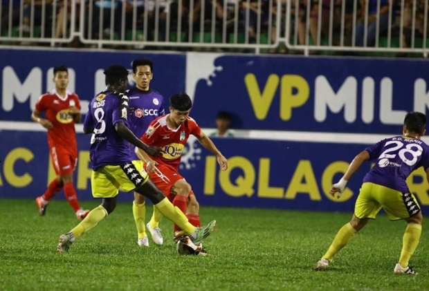 Tiền vệ Moses đang khoác áo CLB Hà Nội.