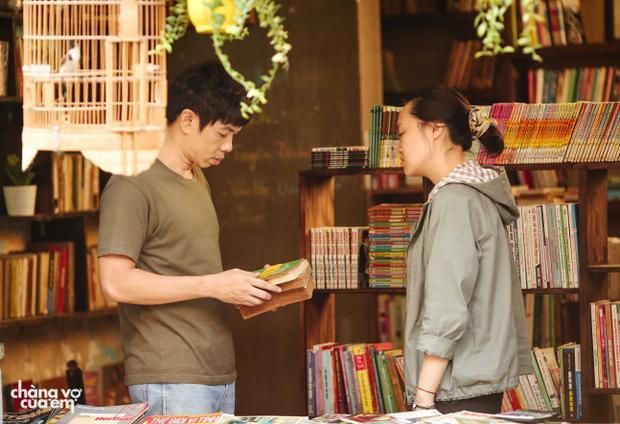 Không cần giả gái hay ẻo lả, Thái Hòa vẫn gây cười khi làm vợ của Phương Anh Đào