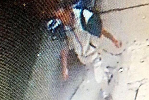 Hình ảnh nghi phạm Nguyễn Anh Tú được camera ghi lại.