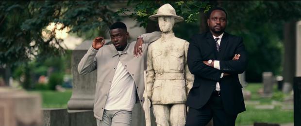 Phim còn có sự góp mặt của diễn viên đang lên Daniel Kaluuya (trái) - nam chính của siêu phẩm kinh dị Get Out.