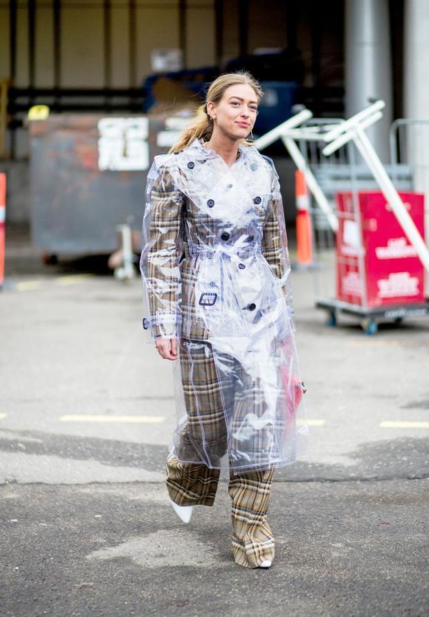 Áo mưa thời trang cho nàng cầu toàn, dù thời tiết xấu vẫn xinh lung linh