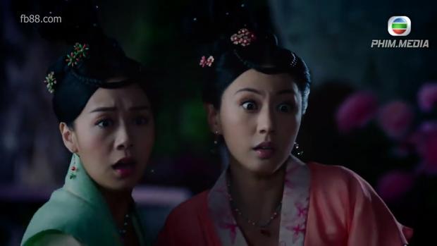 Nguyên Nguyệt và Cam Nhược Thiên vô tình phát hiện ra một xác chết nữ lõa lồ lúc họ gặp mặt nhau giữa đêm