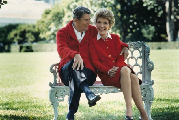 26. Ronald Reagan là Tổng thống Mỹ đầu tiên từng ly dị. Ông kết hôn cùng Nancy sau ly dị người vợ đầu tiên - nữ diễn viên Jane Wyman. Tổng thống Donald Trump cũng từng trải qua 2 cuộc tình với Ivana và Marla Maples trước khi đến với người vợ hiện tại là bà Melania. Ảnh: Thư viện Tổng Thống Ronald Reagan/ Getty Images