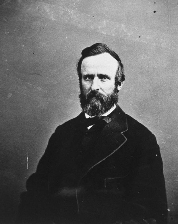 27. Vào tháng 5/1879, Rutherford B. Hayes là Tổng thống đầu tiên có điện thoại liên lạc được lắp đặt trong Nhà Trắng.