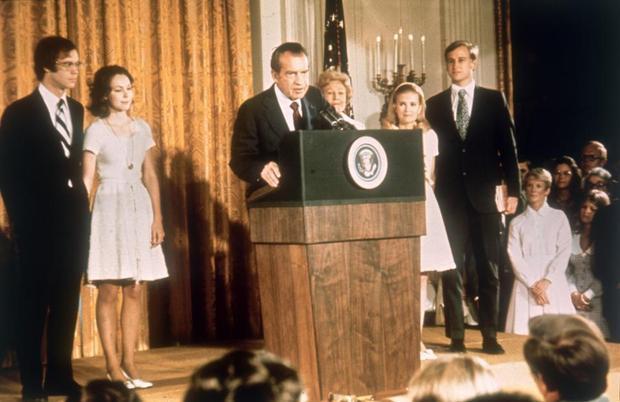 30. Richard Nixon là Tổng thống duy nhất xin từ chức sau vụ bê bối Watergate năm 1974. Ảnh: Getty Images