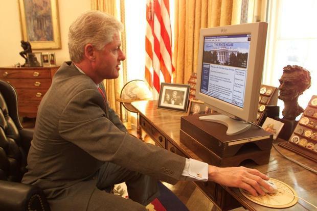 31. Trang web đầu tiên của Nhà Trắng được giới thiệu trong nhiệm kỳ của ông Clinton năm 1974. Ảnh: Liaison