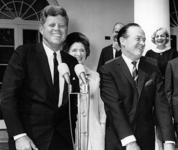 38. John F. Kennedy là Tổng thống được bầu trẻ nhất, nhận chức khi chỉ mới 43 tuổi. Ảnh: Hulton Archive/Getty Images
