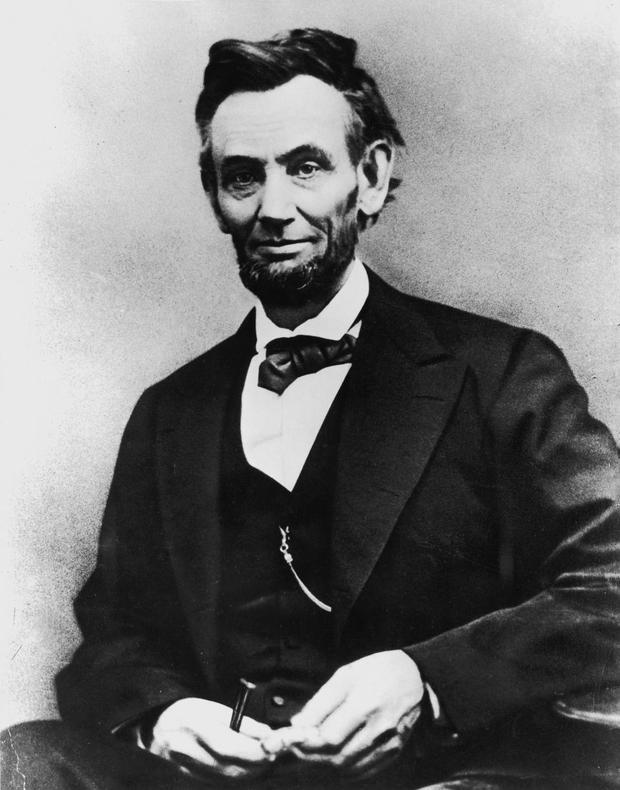 50. Abraham Lincoln cũng là người đầu tiên để râu khi đương nhiệm. Ảnh: National Archives/Newsmakers