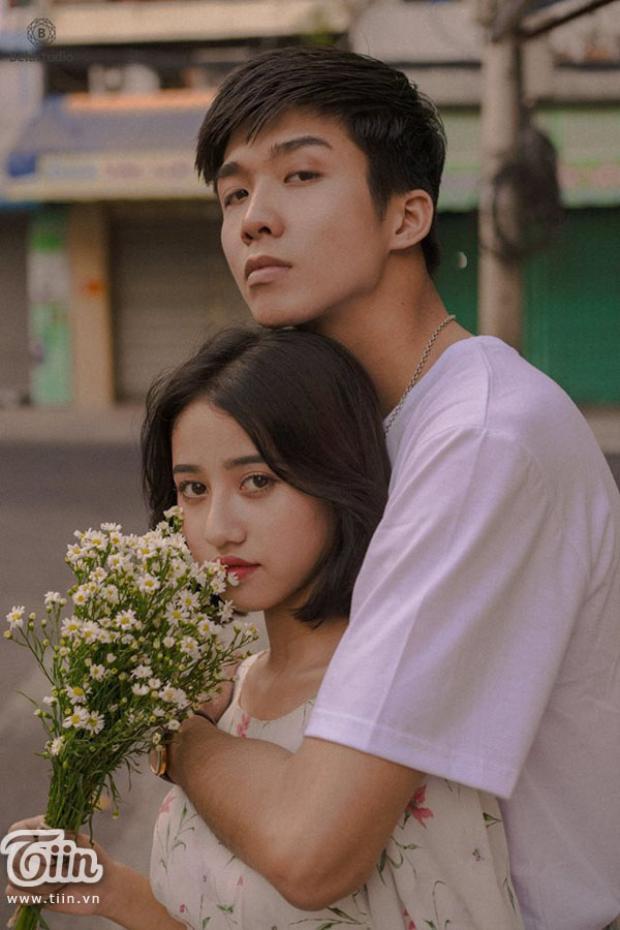 """Hoàng Sơn có một mối tình đẹp đẽ với """"nữ hoàng chửi thề"""" Trịnh Thảo."""