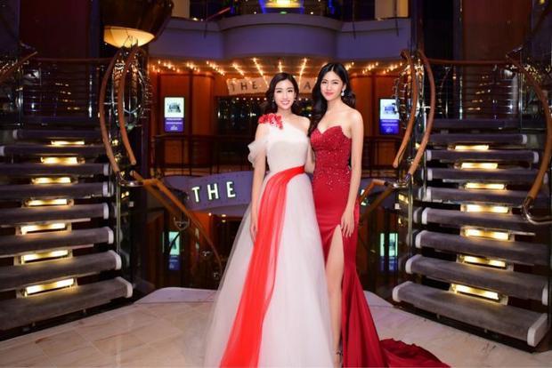 Cô hội ngộ người bạn thân thiết là Á hậu Thanh Tú tại sự kiện lần này.