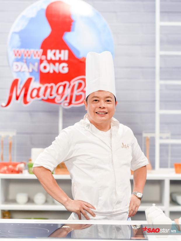 Đầu bếp từng nấu ăn cho Angelina Jolie thích thú chấm điểm cao cho gia đình phép thuật Song Giang