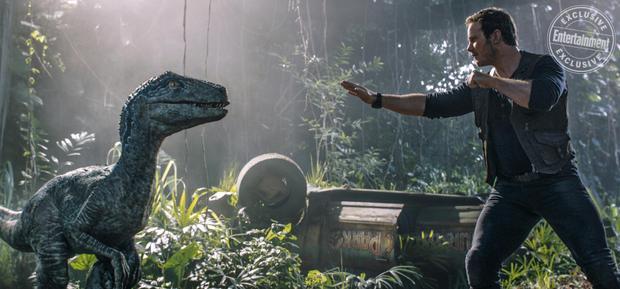 Jurassic World: Fallen Kingdom: Hãy xem những nhà phê bình phim nói gì về bom tấn khủng long này
