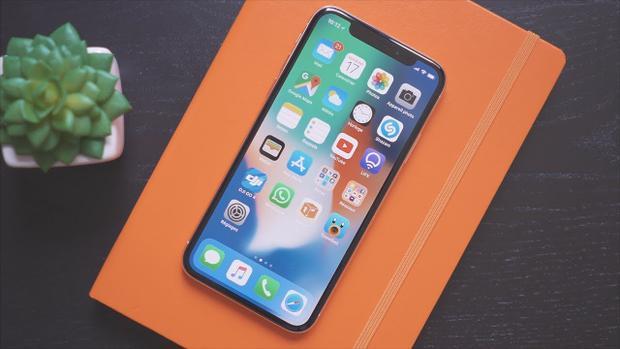 Trái với nhiều báo cáo cho rằng iPhone X có sức mua không đạt như kì vọng, iPhone X thực tế là dòng máy bán chạy nhất của Apple.