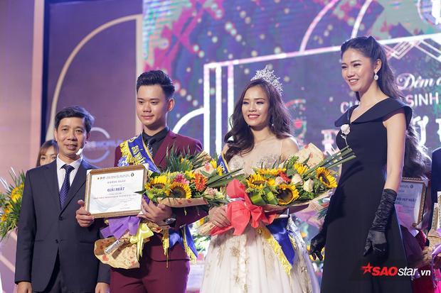 Cặp đôi Nhữ Minh Tuấn và Nguyễn Thị Phấn đăng quang ngôi vị Sinh viên thanh lịch - Đại sứ ĐH Giao thông vận tải Hà Nội 2018 đầy thuyết phục.