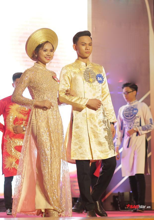 Trong khi thí sinh nữ Phạm Ngọc Bích giành cú đúp Á khôi 1 và Nữ đại sứ thể thao, thì người bạn đồng hành Nguyễn Trọng Tuấn của cô cũng không hề thua kém. Anh giành giải Nam sinh mặc trang phục truyền thống đẹp nhất.