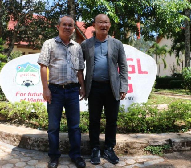 Bầu Đức và ông Park Hang Seo đã góp phần tạo nên lịch sử cho U23 Việt Nam.