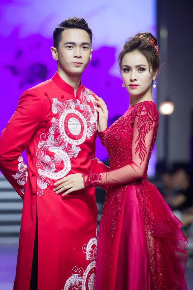 Bên cạnh những chân dài đình đám, góp mặt trong show diễn lần này còn có Duy Phong - anh chàng hiện đang là thí sinh sáng giá của khu vực miền nam trong cuộc thi Siêu mẫu Việt Nam năm nay.