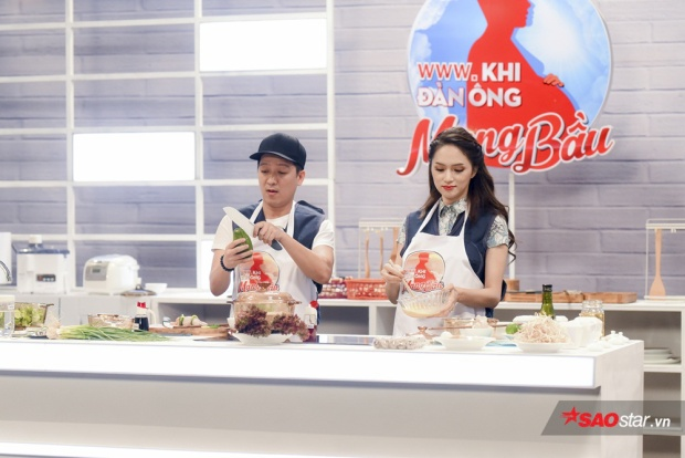 Cùng vào bếp: Trường Giang được xem như thiên tài, Hương Giang bên cạnh như thiên tai