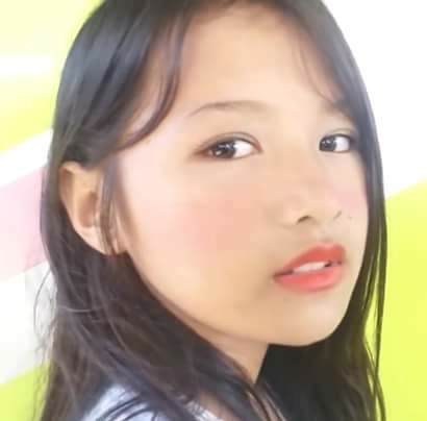 """Bên cạnh gương mặt xinh xắn, Lirah còn biết cách chăm chút ngoại hình khi trang điểm phong cách """"má hồng say rượu"""" của các hot girl Hàn Quốc. Nhiều tài khoản Facebook Việt Nam vào khen ngợi, xuýt xoa nhan sắc cô bé."""
