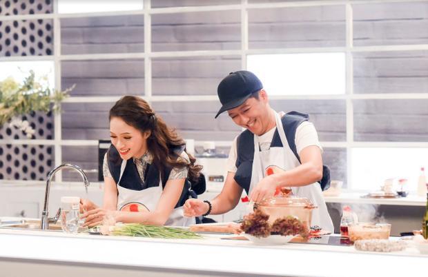 Đội Song Giang đã chiến thắng thuyết phục trong thử thách nấu ăn với 100 nghìn.