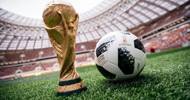 """Những ngày qua, người Việt thấp thỏm lo lắng và rỉ tai nhiều cách """"lách luật"""" để xem World Cup trong trường hợp xấu nhất là không mua được bản quyền phát sóng."""