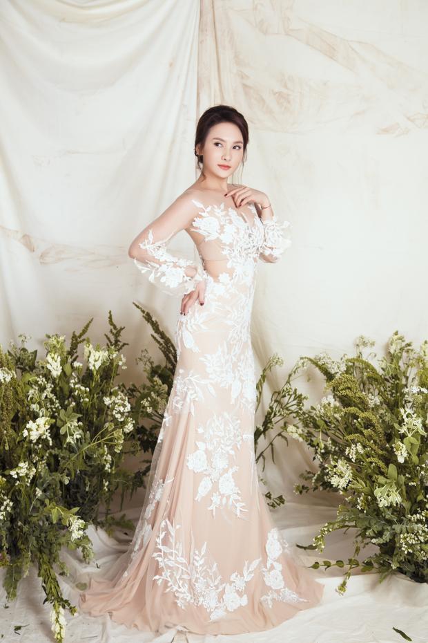 Diện những thiết kế váy cưới của NTK Trương Thanh Hải, Bảo Thanh khoe vẻ đẹp kiêu sa, lộng lẫy khiến cánh mày râu xuýt xoa trong khi các bóng hồng khác phải ganh tỵ.