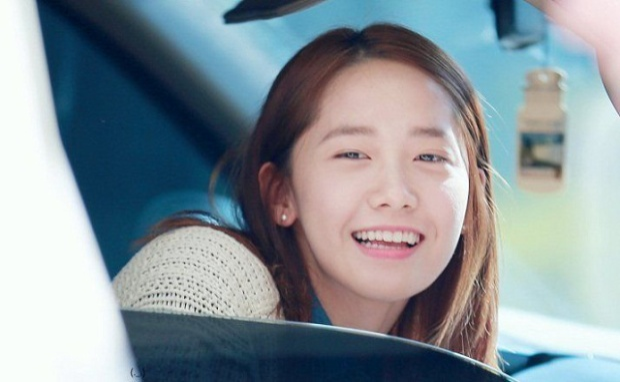 YoonA vẫn rất xinh đẹp khi không trang điểm cầu kì.