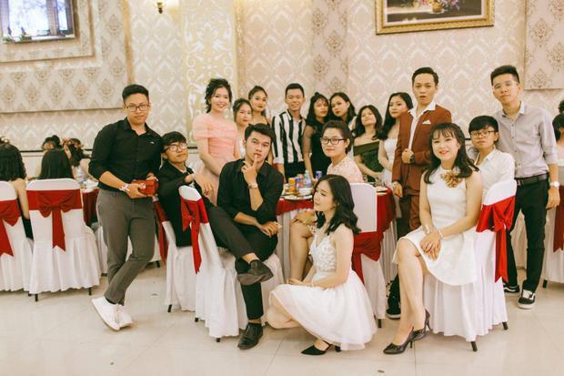Không chỉ RMIT, trường chuyên phố núi Kon Tum cũng khiến chúng ta đã mắt với dàn trai xinh gái đẹp trong tiệc prom