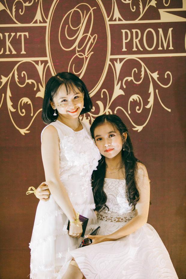Sự trưởng thành thể hiện rõ trên trang phục, thần thái của các cô cậu học trò