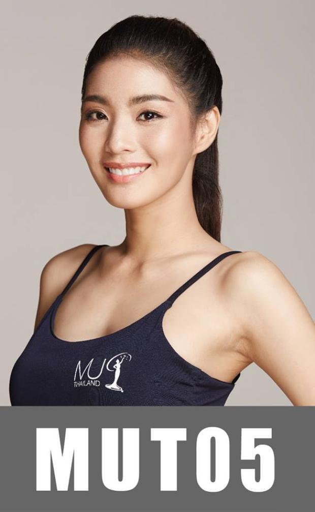 """Hoa hậu Hoàn vũ Thái Lan có lẽ là cuộc thi dễ làm cho người hâm mộ sắc đẹp """"đau đầu"""" nhất bởi sự đồng đều về sắc vóc của các thí sinh. Trong ảnh là người đẹp Nutha Harutai Akakitwattana, năm nay 24 tuổi. Ngoài chiều cao 1m74 nổi bật, chân dài này còn có số đo hình thể cân đối, hoàn hảo."""