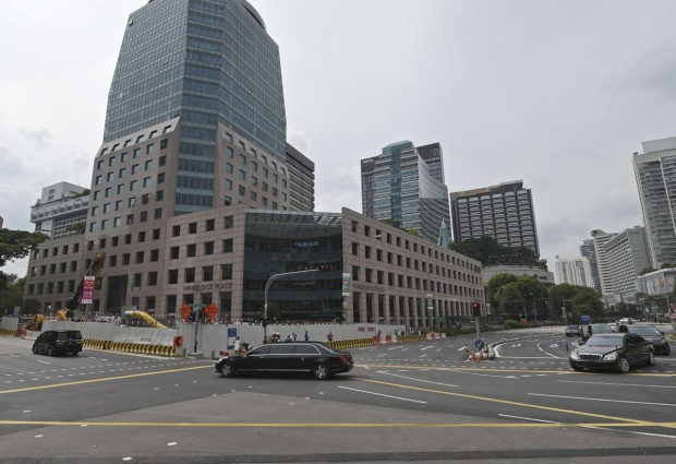 Đoàn xe của ông Kim Jong-un trên đường phố Singapore.