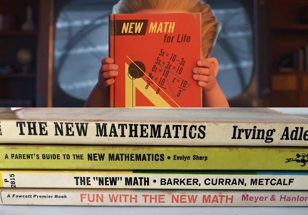 Quyển sách toán của Dash là easter egg thú vị về thời cuộc.
