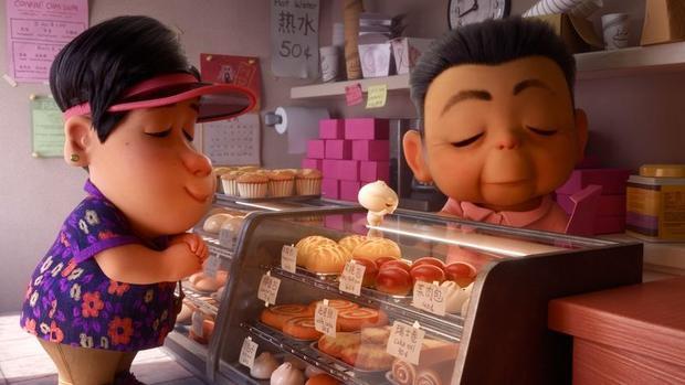 Tiệm bánh có đầy đủ các món bánh trái thơm lừng khiến tiểu bánh bao thích mê.