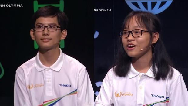 Thí sinh Trương Võ Thành Nhân và thí sinh Trần Hoàng Yến Nhi đạt điểm tuyệt đối tại phần thi Khởi động.