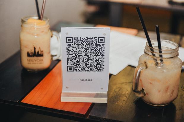 Các fan cũng có thể quét mã QR để truy cập thẳng tới trang fanpage của CenturyUU, nơi cập nhật những thông tin mới nhất về các bộ phim truyền hình lẫn điện ảnh Trung Hoa sắp được phát hành.