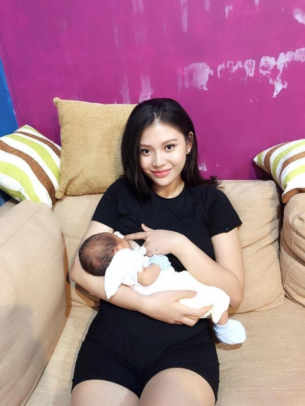 Từng chia sẻ lúc mang thai được ông xã chiều chuộng hết mực, giờ đây khi em bé đã ra đời hẳn Chúng Huyền Thanh rất hạnh phúc vì Jay Quân còn cưng Joyce hết mực.