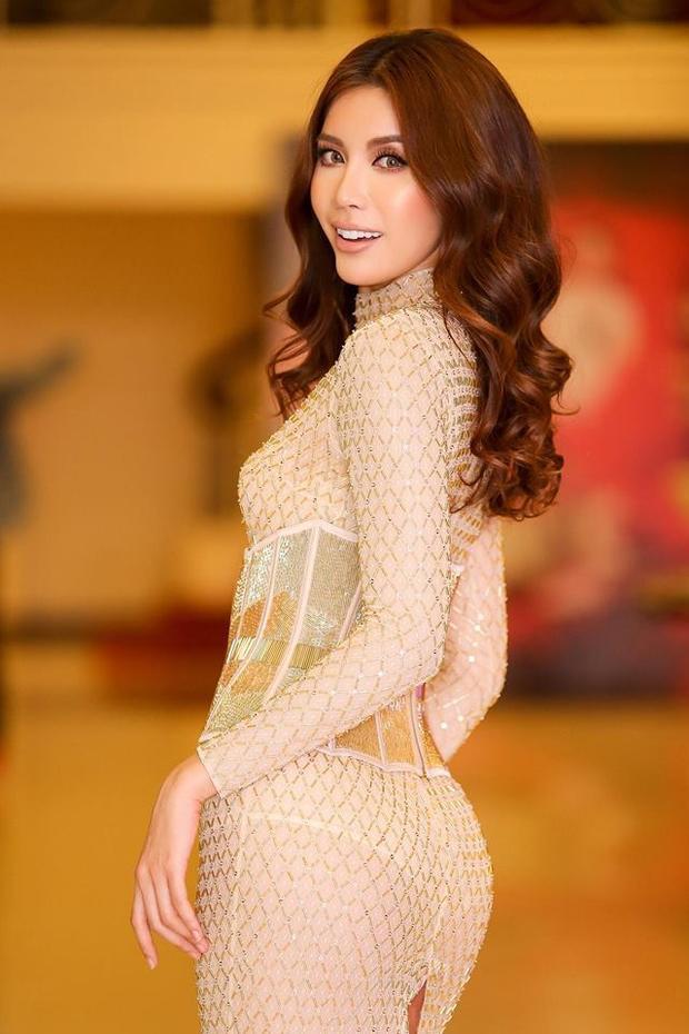 Minh Tú, cô người mẫu thẳng tính và táo bạo sở hữu một thân hình đáng mơ ước